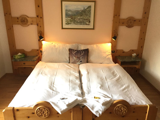 Cosy double room with Matterhorn view.