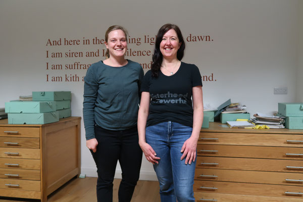 February 2020: Sabine Käser (Outgoing Berufsbildner 2019/2020) and Wendy Kirk (Librarian at Glasgow Womens Library)