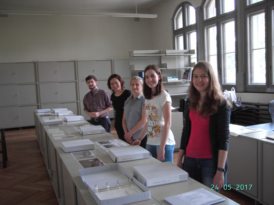 Library of the National Museum. Dominik Sievi (Outgoing 2015), Hannie Riley and Jolanta Lebioda (Incoming 2016), Olivia Pirolt and Karin Voser (Outgoing 2016)