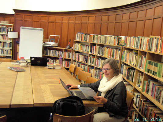 Projectmanager Britta working on the Movetia papers in the Glasgow Women's Library