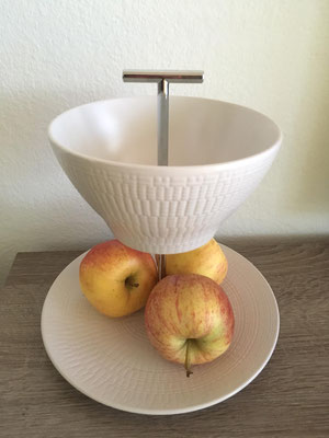 Nr. 135      sFr.  27.-   (Dessertteller und Müäslischale)  ca. 24cm