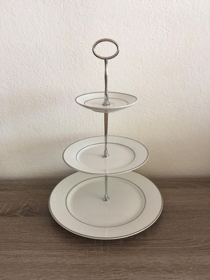 Nr. 201    sFr.  35.-  (Essteller, Dessertteller + Unterteller)  Höhe ca. 32cm   (C)