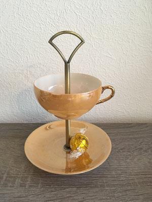 Nr. 516   sFr. 21.-      Kaffeetasse mit Untertellerli  Höhe 16cm