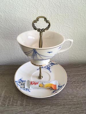 Nr. 478  sFr. 23.-     (Kaffetassenunterteller + Kaffeetasse) Höhe ca. 16cm