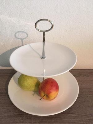 Nr. 208      sFr.  29.-   (Essteller und Dessertteller)  ca. 24cm   (C)