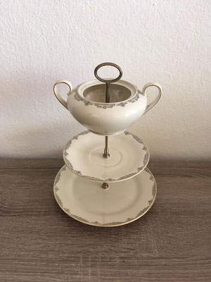 Nr. 156    sFr. 35.-  (Dessertteller, Unterteller + Zuckdose)  Höhe ca. 25cm