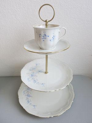 Nr. 16     sFr. 39.-   (Essteller, Dessertteller, Unterteller + Kaffeetasse)