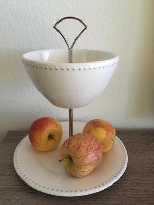 Nr. 134      sFr.  29.-   (Dessertteller und Müäslischale)  Höhe ca. 20cm  (M)