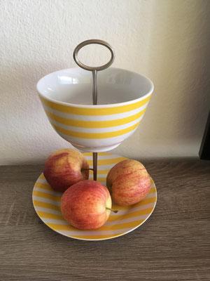Nr. 131      sFr.  27.-   (Dessertteller und Müäslischale)  Höhe  ca. 20cm  (M)