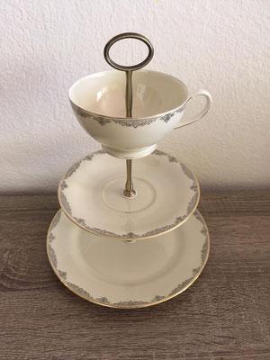Nr. 155   sFr. 35.- (Dessertteller, Unterteller, Kaffeetasse)  Höhe ca. 25cm   (*)   bereits reserviert