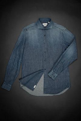 Auch was für Frauen das Shirt Clodoveu