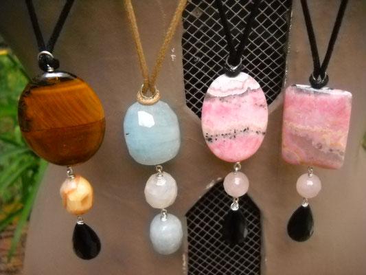 pendentif pierres naturelles sur argent et cordon ajustable