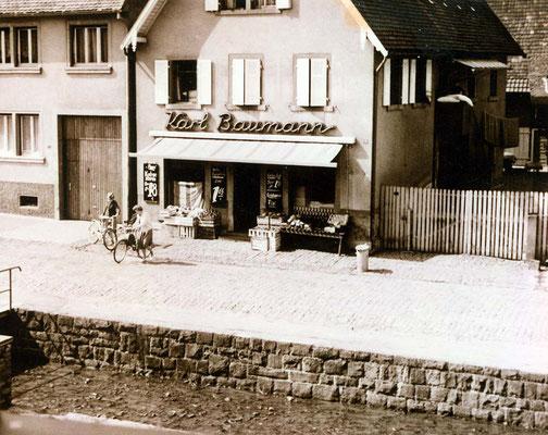 Adlerstraße 20, daneben in Nr. 18 Laden Pister