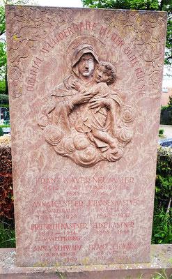 Grabstein der Familie Kastner/Weishaupt