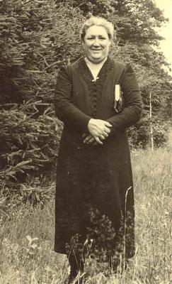 Mutter Anna Hitscherich, geb. Heinzmannca. 1940