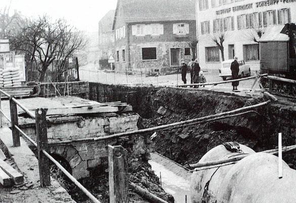 ca 1965 Verdolung der Waldprechtsstraße, Eintrachtbrücke
