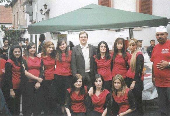 2006 Folkloregruppe mit Bürgermeister Himmel.