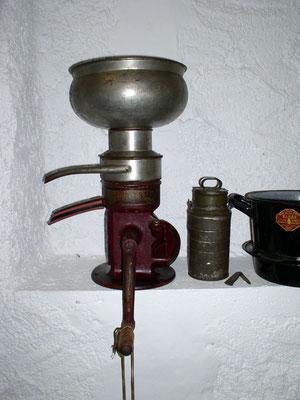 Zentrifuge  aus dem 19. Jahrhundert.  Hersteller: Maschinenfabrik Miele