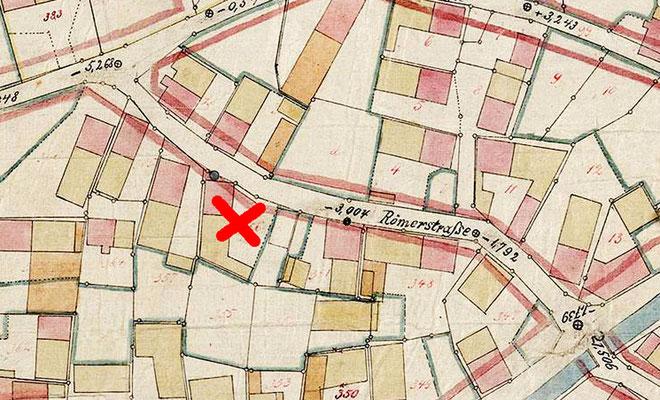 Plan von 1892, am rotem Kreuz Vorläufer Kastner, vorne Brunnen eingezeichnet.
