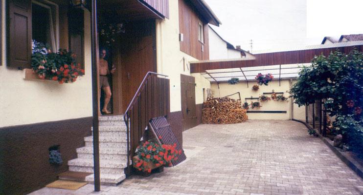 Älteres Bild Einfahrt Haus