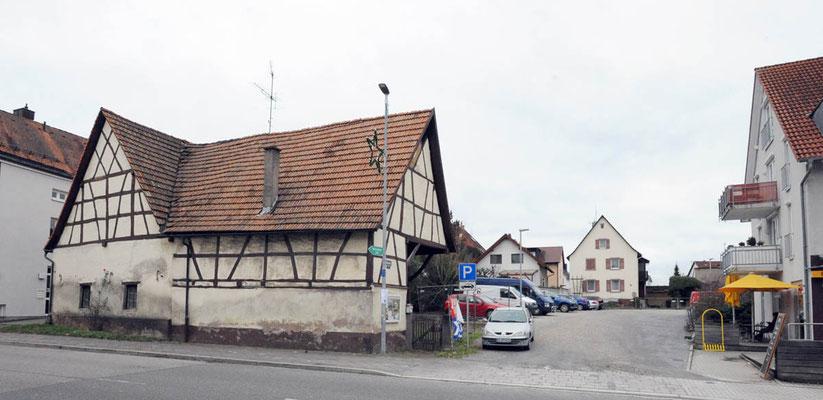 Adlerstraße 68, Fachwerkscheune und offener Schopf, Fotografiert Januar 2018