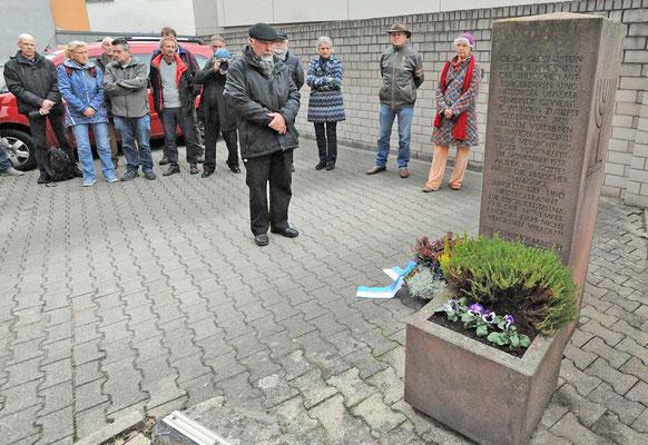 Bürgermeistervertreter Scherer beim Gedenken