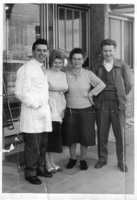 Edwin mit Frau Anita und Mutter Maria, ca. 1955 mit Gehilfe Toni Hofmann