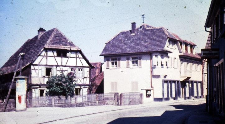 Oskar Knam Haus mit altem Rathaus, Hauptstraße
