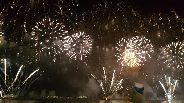 Silvesterfeuerwerk an der Copacabana