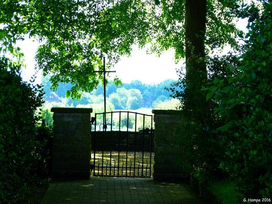 Vahrendorfer Ehrenfriedhof 1