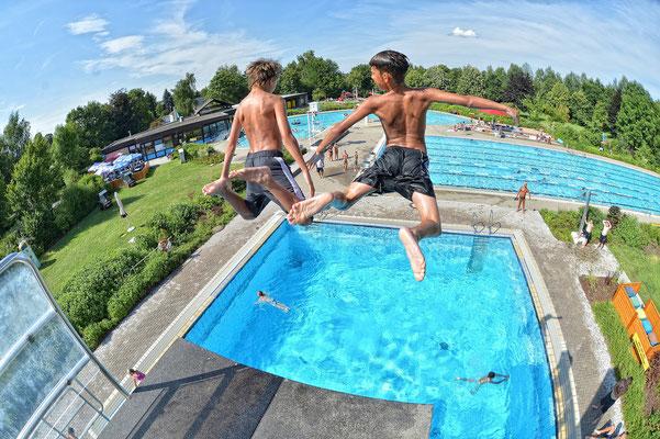 Rehau | Start der Freibadsaison