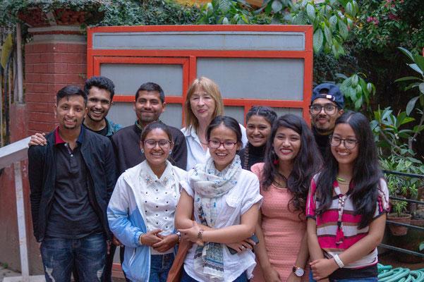 Rosi mit den CFO-Studenten