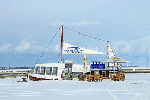 Am Hafen von Stralsund im Winter