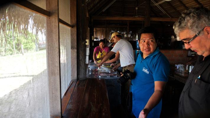 Den Lunch nehmen wir gemeinsam mit den Mitarbeitern der Ranch und der Filmcrew