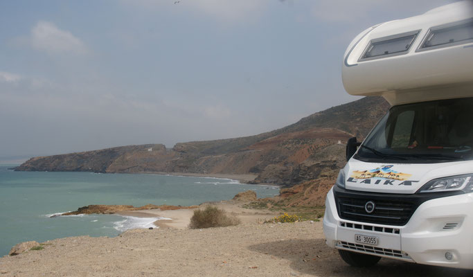Mittagsrast mit viel Wind am marokkanischen Mittelmeer