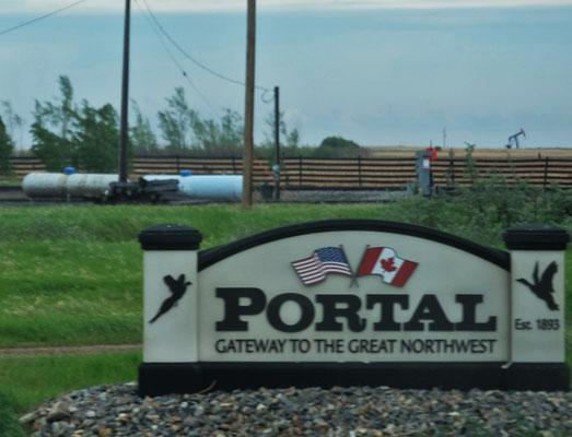 Wir erreichen den Grenzort Portal...