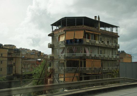 spannende Häuser in Gela