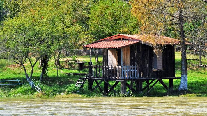 .... bestaunen Onkel Tom's Hütte in Mexiko