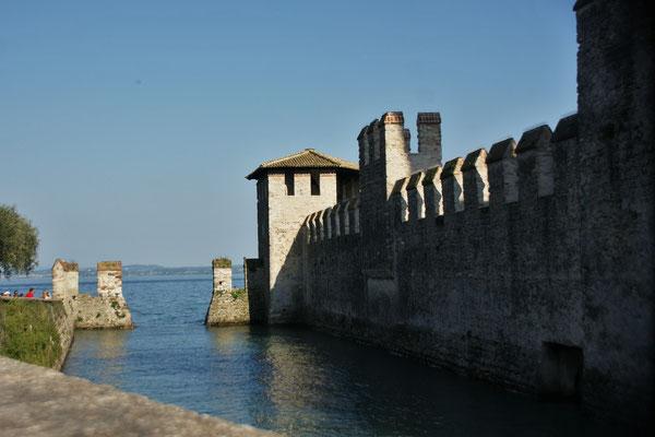 Die Schlossmauern