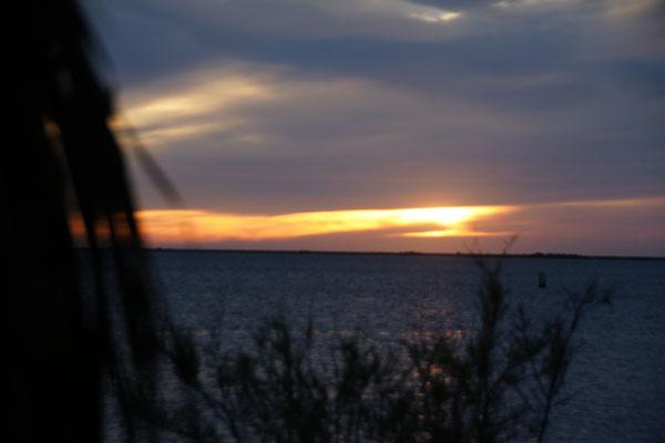 Wiedermal ein Sonnenuntergang über dem Meer
