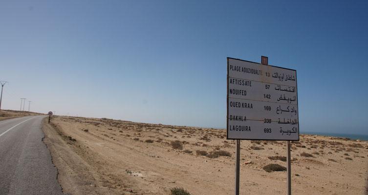"""Wir haben es """"bald"""" bis nach Dakhla geschafft. Nur noch 338 km."""