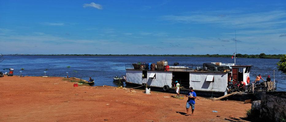 Der kleine Hafen am Rio Paraguay