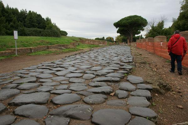 Die Hauptstrasse von Ostia Antica