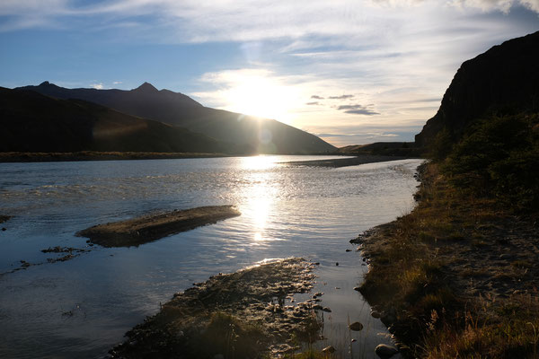 Guten Morgen liebe Sonne am Rio Fitz Roy