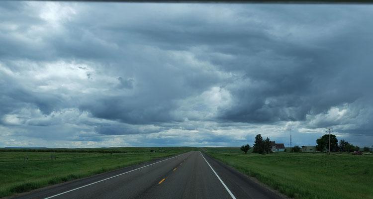 Zwischendurch sieht der Himmel eher interessant als anheimelnd aus.