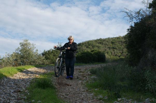 Schiss beim Bergabfahren, dann halt laufen