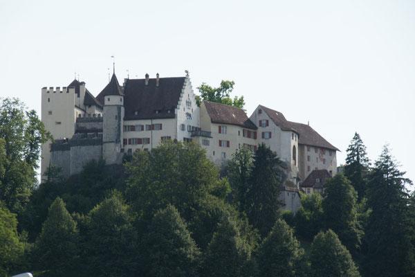 Wieder in der Heimat. Schloss Lenzburg.