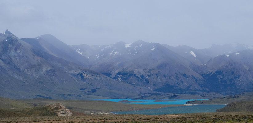 Der Lago Belgrano ganz in Türkis