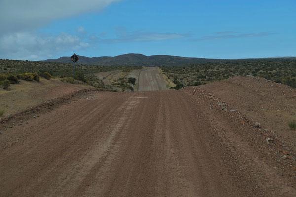 Auf dem Rückweg nach Camarones die heute letzten 40 km Piste.