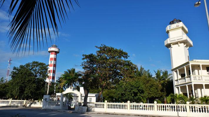 Der alte und der neue Leuchtturm mit Museum auf der Isla Aguada